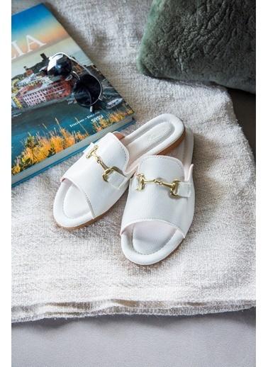 Arma Shoes Kadın Tokalı Ev Terliği Beyaz